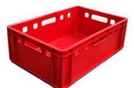 Plastikiniai padėklai ir dėžės